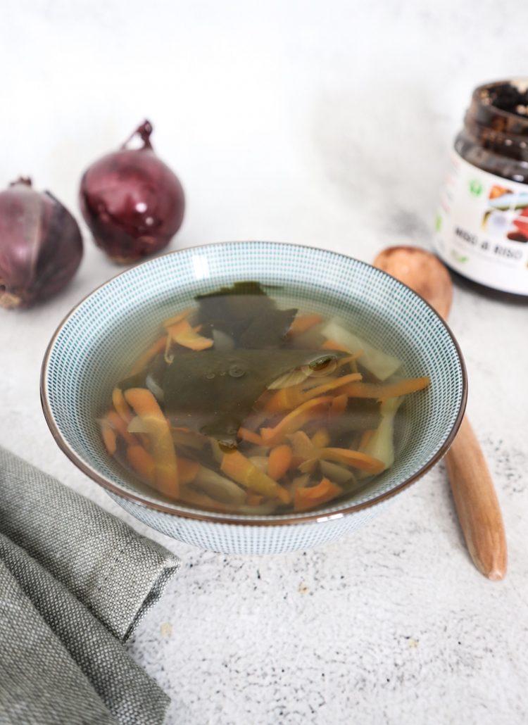 zuppa di miso - ricetta macrobiotica
